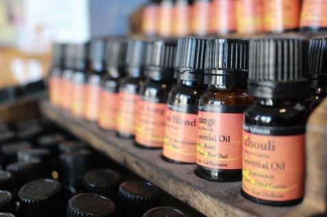 essential oils for fleas and ticks